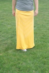 DIY Outfit for Autumn: Side Ruched Maxi Skirt with Subtle ChevronPrint
