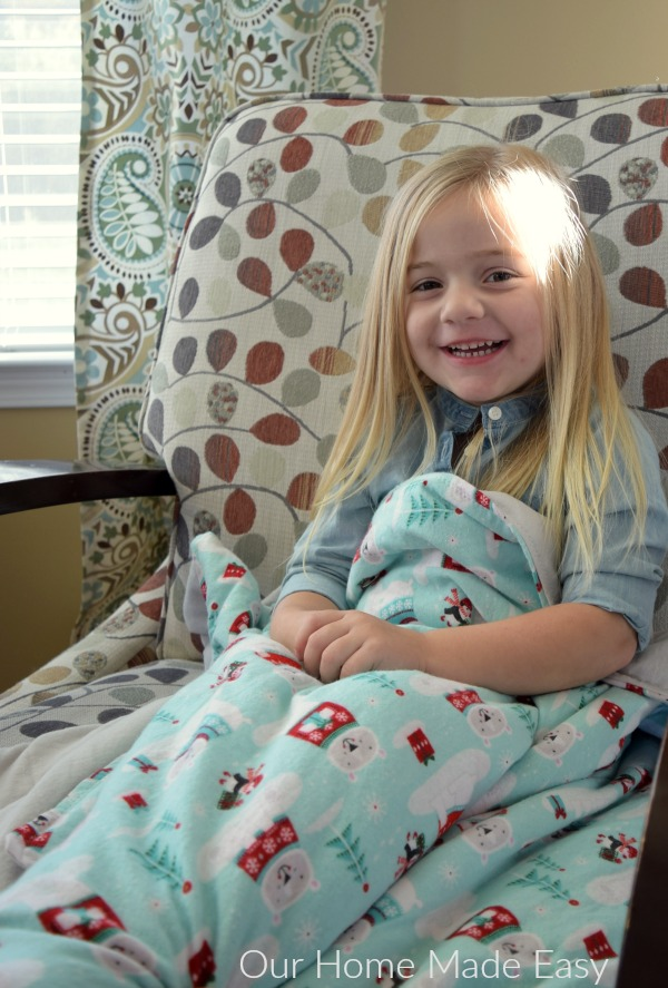 Super Soft & Cozy Winter Flannel Blanket: Cheapest DIY Sewing Project Worth Less Than $10