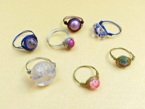 Easy Tutorial of Wire-Wrapped Bead Rings with Pretty Color Accents