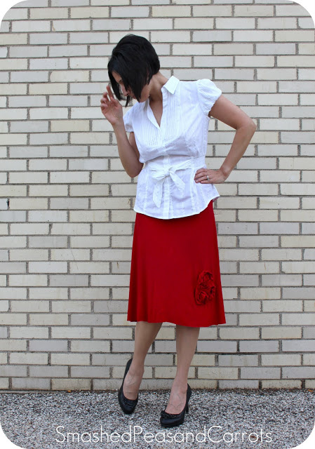 Fashionable Knee-Length DIY Skirt Out of Knit Fabric with Roses Embellishments