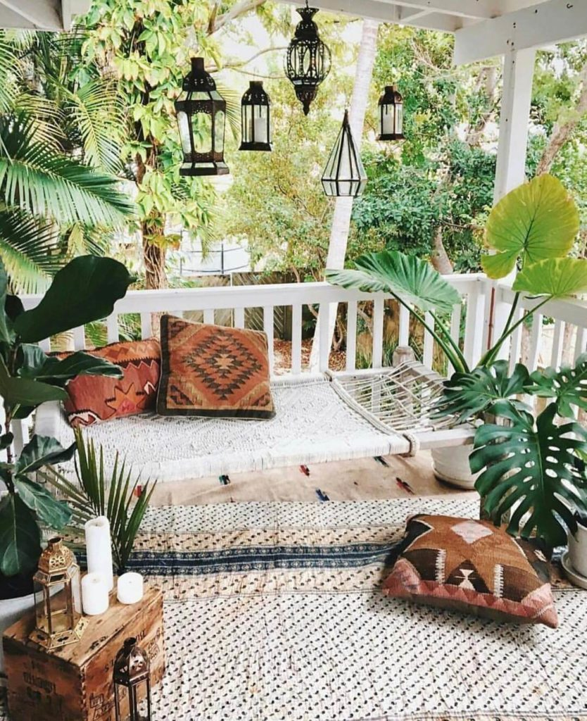 Marvelous Diy Porch Adornment In Bohemian Style With Woven Bench Seat Gmtry Best Dining Table And Chair Ideas Images Gmtryco