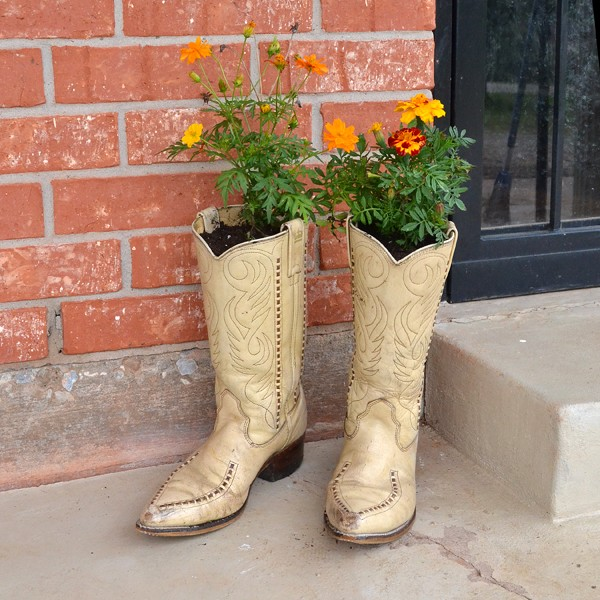 Cowboy Boot Planters: A Rustic Gardening Idea By Dream a Little Bigger