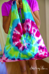 A Quick Tutorial of How to Make DIY Dye T-Shirt Tote Bag At Home: DIY Recycled Project