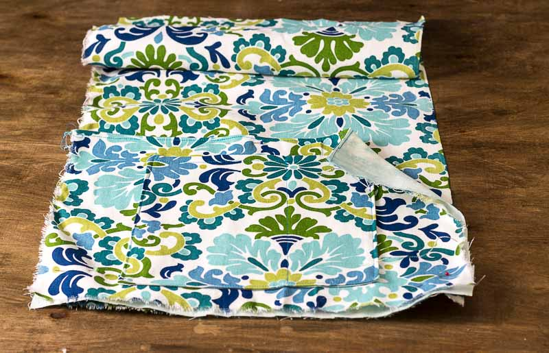 DIY Bed Pocket Caddy with Beautiful Fabric Scrap: The Perfect DIY Gift Idea within A Limited Budget