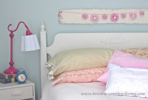Easy Tutorial of DIY Vintage Style Pillow Cases ByTown & Country Living