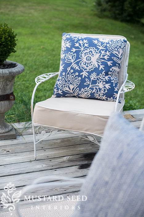 Large Chair Cushion Tutorial with Pattern Print Cotton Fabric: A DIY Deck Chair Makeover Idea