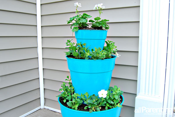 Tutorial of How to Make A Stacked Pot Planter: Vertical Planting Idea for Restricted Proch Area