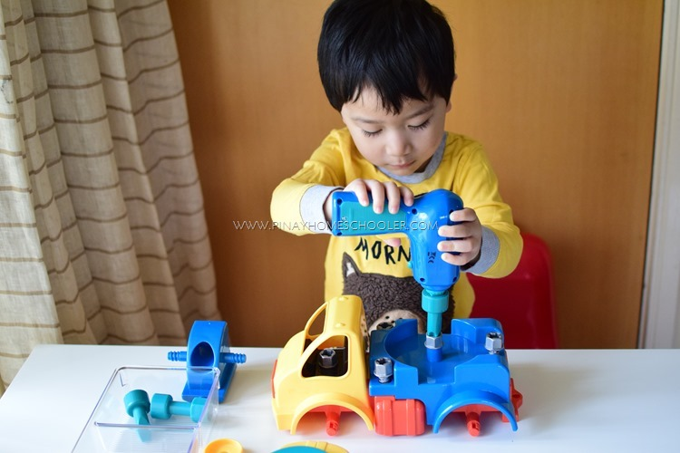 Smart Preschool Introduction Activity with Construction Tools: A Recognized Way for Fine Motor Skill