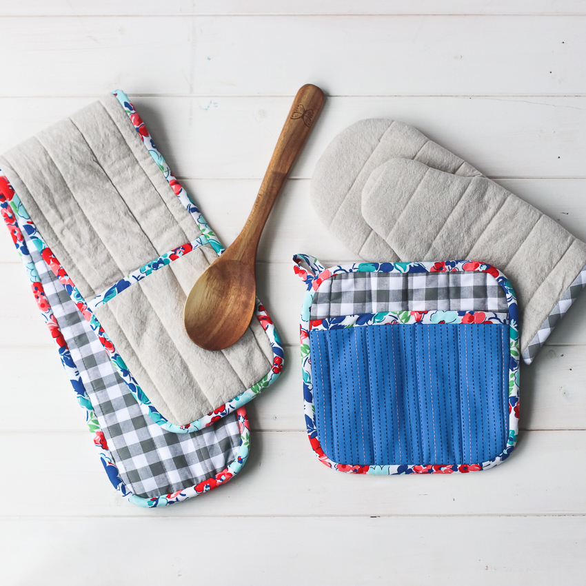 DIY Simple Sewing Project for Regular Use: Paddy Potholder for Your Kitchen