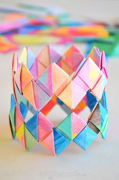 Easy Folded Paper Bracelet from Colorful paper Scarps: Wonderful DIY Summer Craft Idea for Toddlers