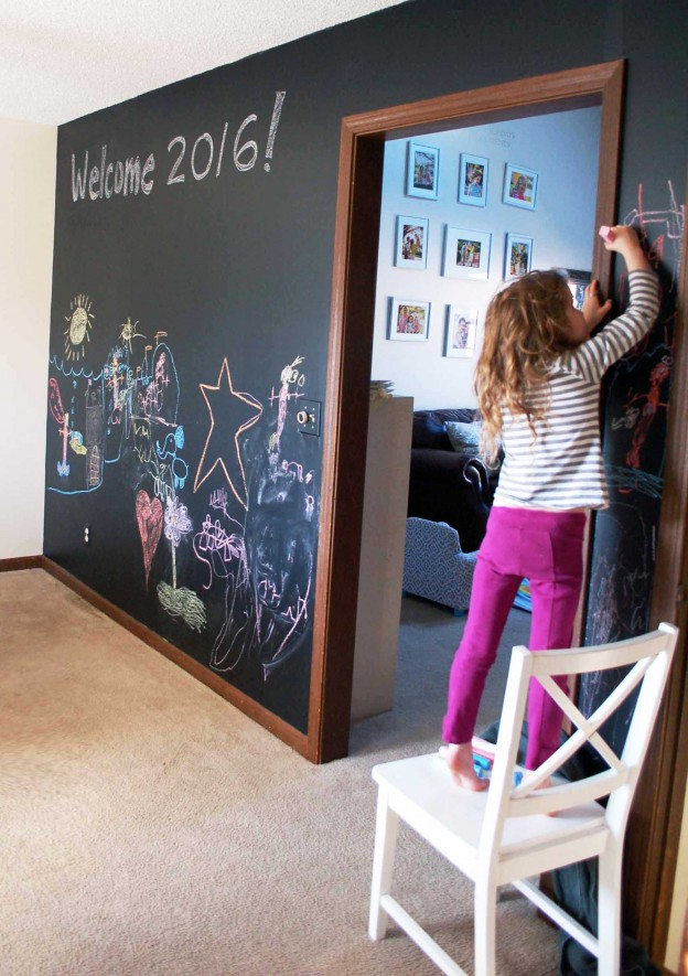 Chalkboard Wall with Chalkboard Contact Paper: A DIY Wall Paper Idea for Kid's Room