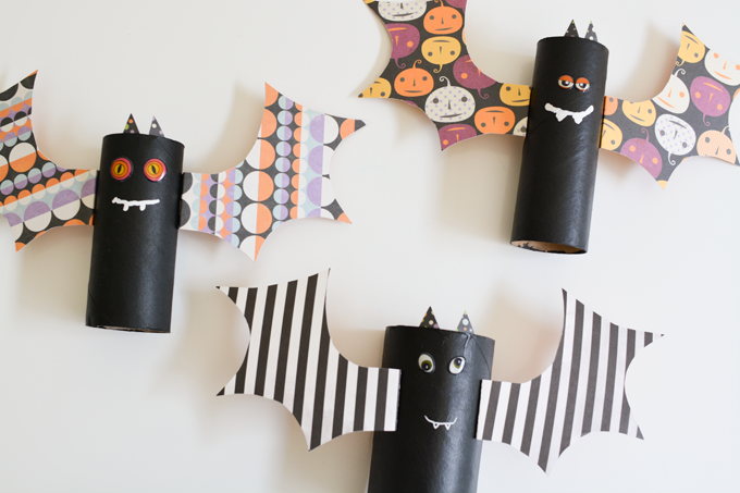 Halloween Toilet Paper Roll Armbands with Flapping Bat wings – Toddler Craft